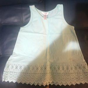 Girls Guess sleeveless shirt